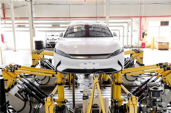 比亚迪为汉车型的巨大投入,只为实现行业领导的安全性能